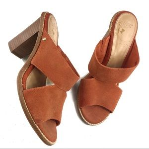 UGG Orange Blocked heel Sandals Size 8.5 M
